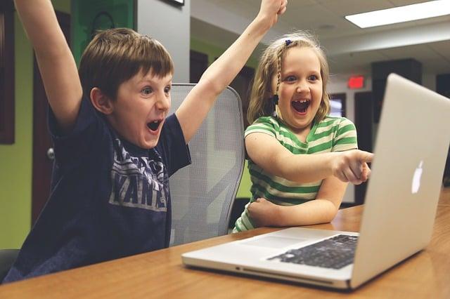children-with-laptop.jpg
