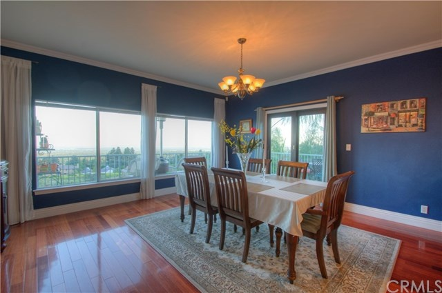 casual dining room with panoramic views