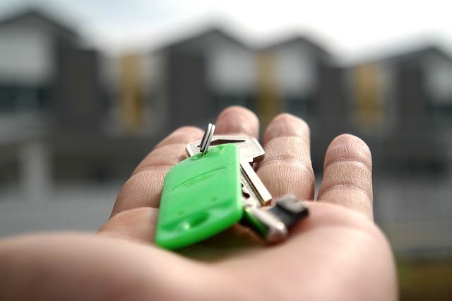 selling-house-keys.jpg